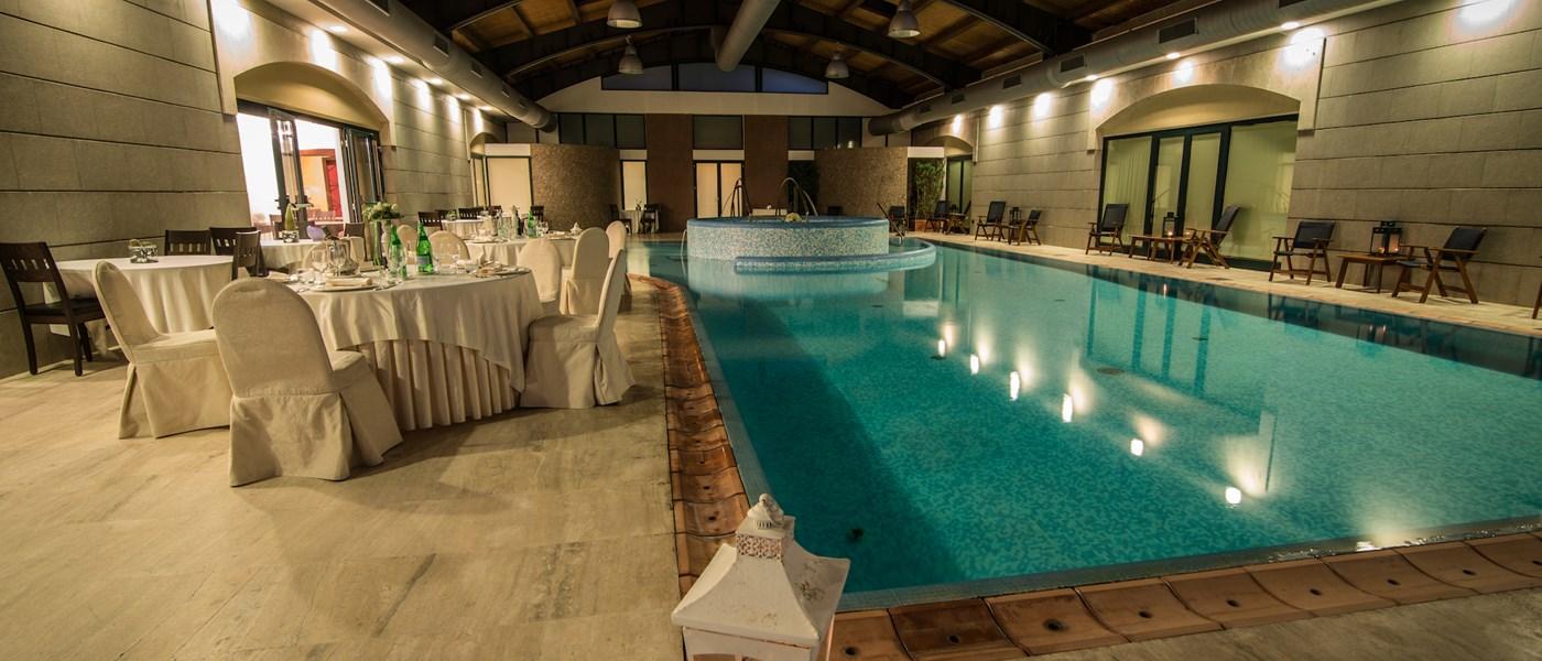 Piscina coperta grand hotel paestum paestum cilento - Agriturismo piscina interna riscaldata ...